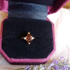 Gold and Topaz ring